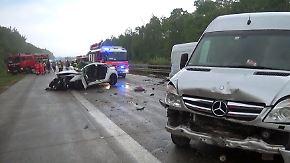 Nasse Fahrbahn nahe Heilbronn: Vier Menschen sterben bei Massencrash auf A81