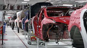 Produktion kurz vor dem Durchbruch?: Tesla verbrennt Millionen, Börse vertraut Musk