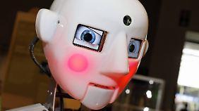 Weil rote Wangen etwas Menschliches ist, wird es auch bei humanoiden Robotern installiert.