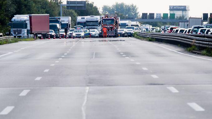 Auf der A2 kommt es immer wieder zu Unfällen - so wie am 31. Juli nahe Garbsen.