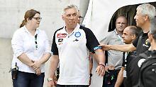 Wer ist er denn? Carlo Ancelotti und Lucien Favre.