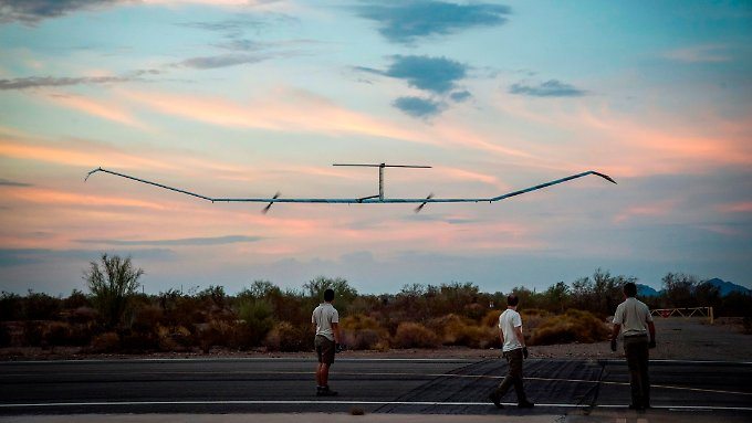 Die Zephyr S, ein unbemanntes Solarflugzeug, soll nun in die Serienproduktion gehen.