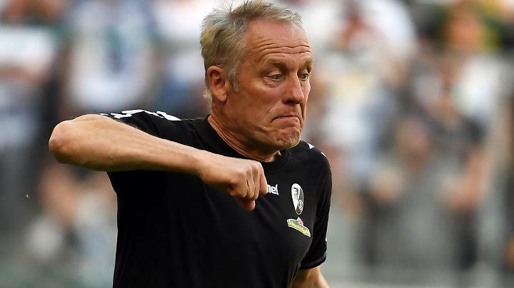 Christian Streich peilt mit dem SC Freiburg den erneuten Klassenerhalt an - und mehr Ruhe.
