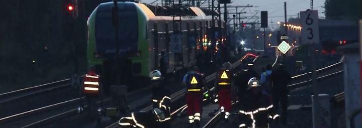 Verkehrschaos wegen Unwetter: Passagiere sitzen zwei Stunden in Hamburger S-Bahn fest
