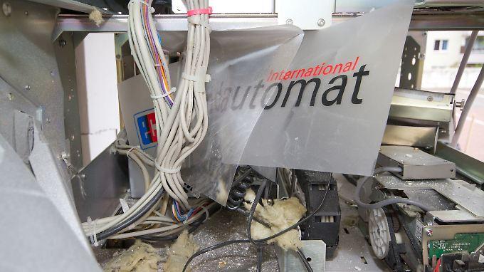 Häufig ist der Sachschaden der gesprengten Automaten höher als die Beute der Täter.