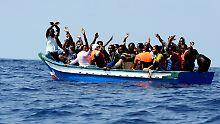 """141 Flüchtlinge und kein Hafen: """"Aquarius"""" bittet EU-Staaten um Hilfe"""