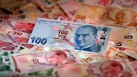 Angst vor türkischer Staatspleite: Verfall der Lira schreckt ausländische Investoren