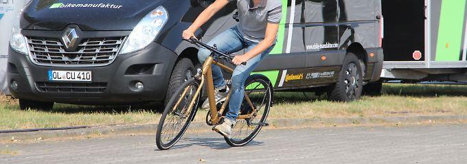Felix Hildebrand, Produktmanager bei Rabeneick ist vom kommenden Erfolg der Retro-E-Bikes überzeugt.,