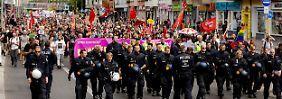 Heß-Aufmarsch in Berlin: Demonstranten verhindern Neonazi-Demo