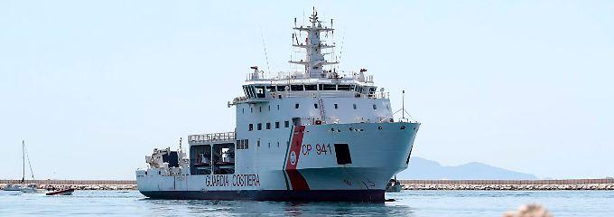 Neue Stufe im Migrationsstreit?: Warum Rom seine Küstenwache aussperrt