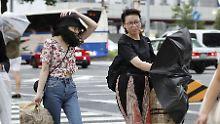 Warnung an die Bevölkerung: Zwei Taifune rollen auf Japan zu