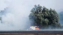 Strecke bei Magdeburg gesperrt: Bahn kämpft gegen Böschungsbrand