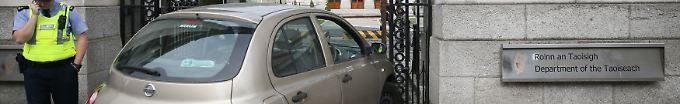 Der Tag: 19:48 Frau rast mit Auto in irischen Regierungssitz