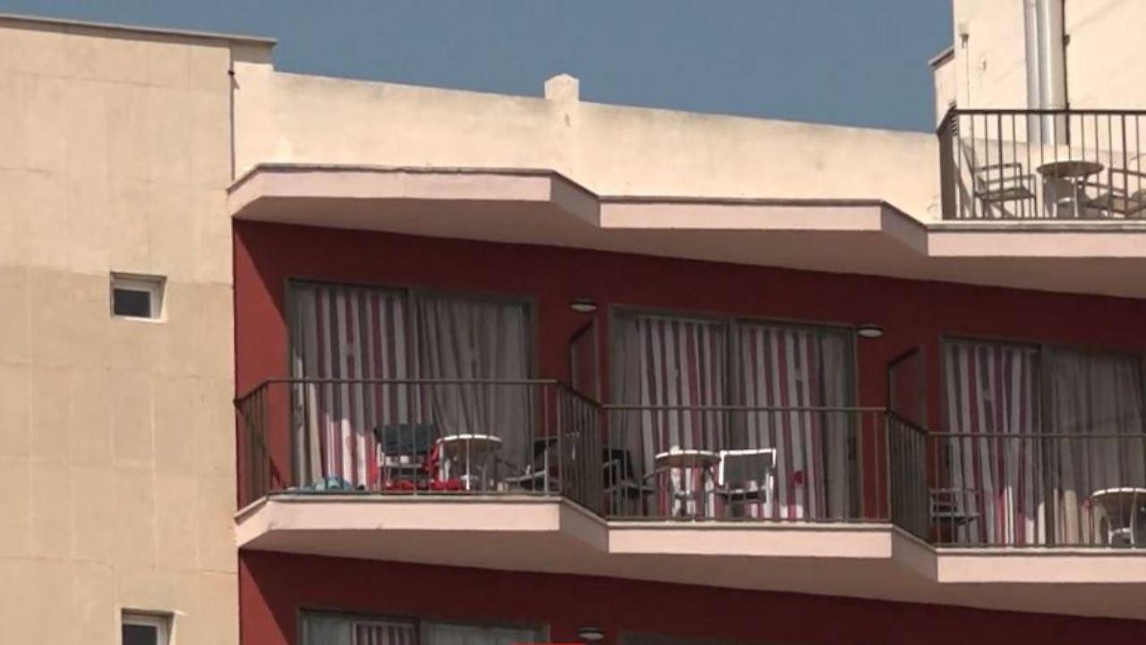 Balkon | Todliches Balconing Auf Mallorca 23 Jahriger Deutscher Stirbt Bei