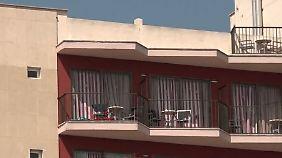 """Tödliches """"Balconing"""" auf Mallorca: 23-jähriger Deutscher stirbt bei Sturz von Balkon"""