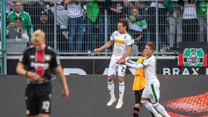 Jonas Hofmann sorgte per Elfmeter für die Gladbacher Führung gegen Leverkusen.