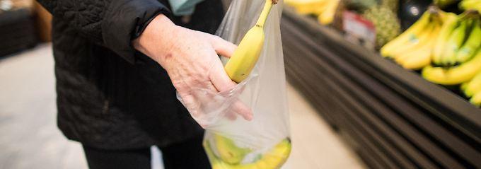 Für lose verfügbare Lebensmittel kann man nicht nur die im Supermarkt angebotenen Plastiktüten, sondern auch mitgebrachte Alternativen nutzen.