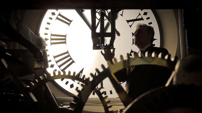 Noch wird in der Europäischen Union zweimal pro Jahr an der Uhr gedreht.