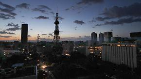 Tote und Verletzte bei Erdbeben: Japans Norden versinkt in Dunkelheit