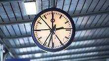 Lange Wartezeiten im August: Drei von zehn Fernzügen verspäten sich