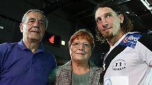 Stefan Kretzschmar mit seinen Eltern Peter und Waltraud im Jahr 2007.