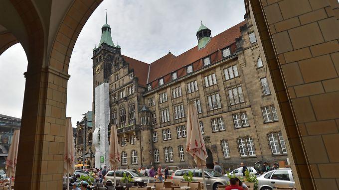 Unter anderem wurden die Räume der Bürgerbewegung im Rathaus durchsucht.