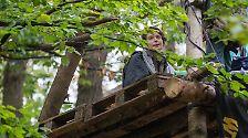 Die Baumhäuser der Besetzer gelten inzwischen als Symbol des Widerstands gegen die Braunkohle.