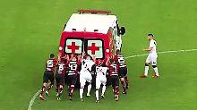Kaum zu glauben, aber wahr: Kicker müssen Krankenwagen schieben