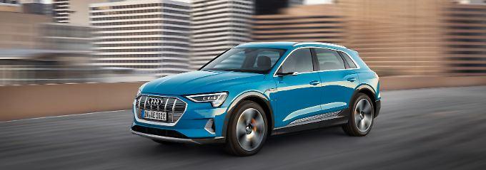 Äußerlich erinnert der Audi E-Tron starkan den Q5 mit dem er sich auch die Basis teilt.