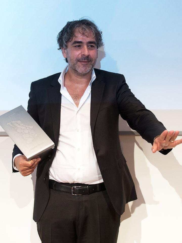 Yücel erhielt den Medienpreis zum Abschluss der Medienkonferenz M100 Sanssouci Colloquium in Potsdam.