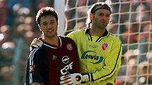 Zwei von 20: Münchens Niko Kovac und der Cottbusser Torhüter Tomislav Piplica an jenem 22. September 2001.