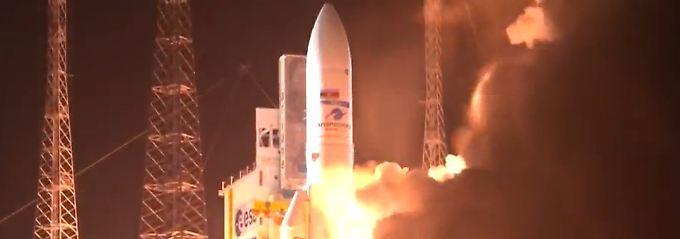 """Zum hundertsten Mal """"Ariane 5"""": Jubiläumsrakete bringt Satelliten ins All"""