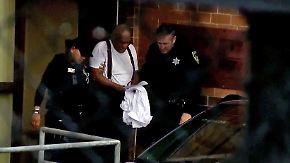 Keine Reue, Tränen im Regen: Bill Cosby muss mindestens drei Jahre hinter Gitter