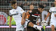 Viel Kampf im Spiel der Hamburger gegen den SC Paderborn.