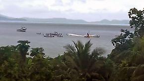 Flughafen verfehlt: Passagiermaschine landet in Lagune