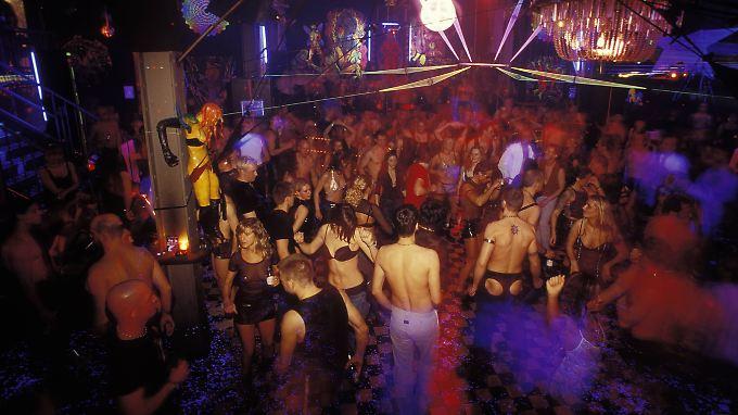 Der Kitkat-Club ist als sehr freizügig bekannt: Die Gäste können dort vor den Augen anderer Sex haben.