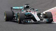 In diesem Auto sitzt Lewis Hamilton.