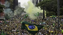 Wahlkampf mit Hitler und Bannon: Brasilien wählt Präsidenten wie im Fieber