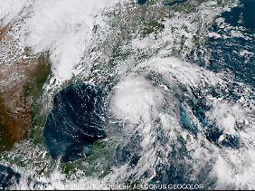 Das Satellitenbild zeigt die gewaltige Größe des Hurrikans.