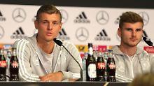 Löw ist natürlich super: Kroos und Werner kontern Ballack