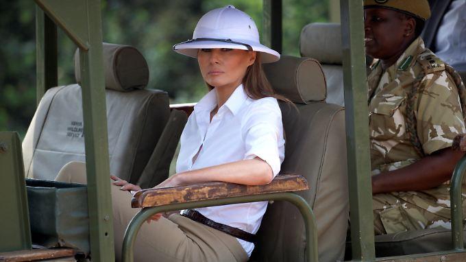 Fühlt sich falsch verstanden: Melania Trump mit Tropenhelm auf Safari  in Kenia.