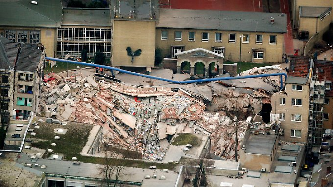 Dem Gebäude wurde buchstäblich der Boden entzogen, was den Einsturz schließlich auslöste.
