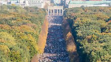 Großdemo gegen Rassismus: Mehr als 100.000 ziehen durch Berlin