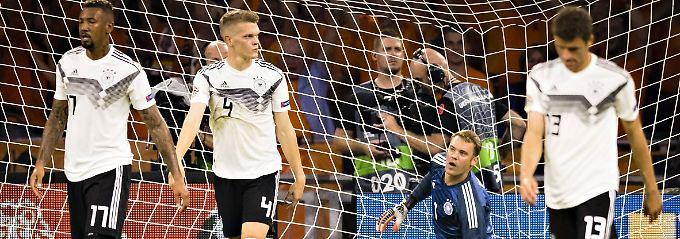 Die deutsche Fußball-Nationalmannschaft lernt durch ihre Niederlage gegen die Niederlande nun den Abstiegskampf in der Nations League kennen.