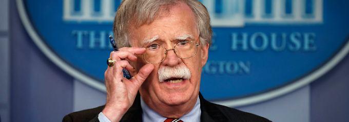 Streit um neue Atomwaffen: Trump schickt John Bolton nach Moskau