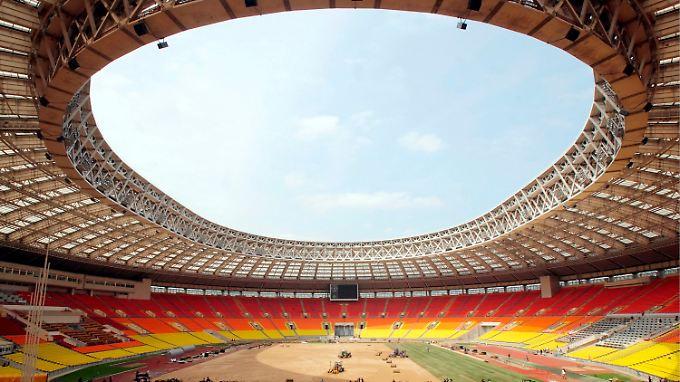 Umstrittene WM-Entscheidung: Gastgeber müssen viel investieren