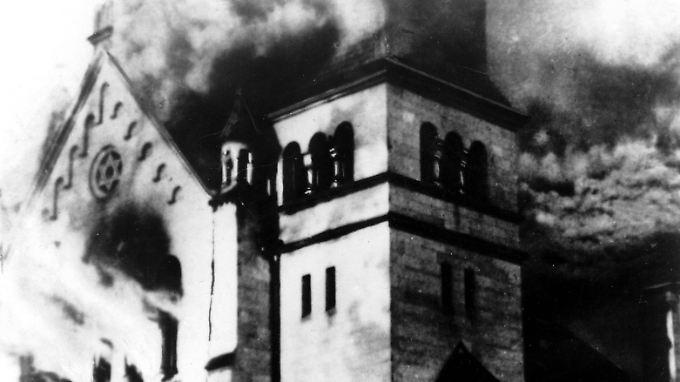 Brennende Synagoge in Baden-Baden.