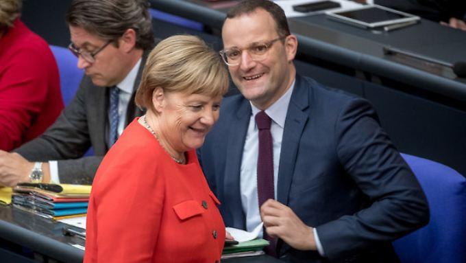 Gesundheitsminister Jens Spahn und Kanzlerin Angela Merkel am 12. September 2018 im Deutschen Bundestag.