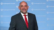 Hartz-IV-Debatte brandgefährlich: BA-Chef attackiert SPD-Führung scharf