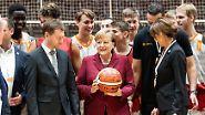 Drei Monate nach Ausschreitungen: Merkel reist zu spätem Besuch nach Chemnitz
